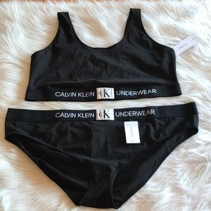 3x Calvin Klein Bralette And Panty